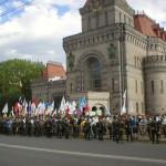 митинг у памятника Суворову